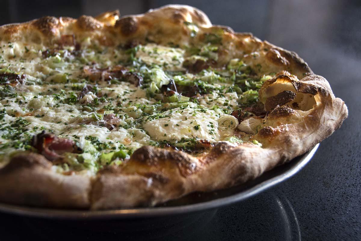 Farina-Albuquerque-pizza-2.jpg