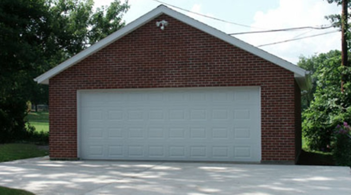 3 Tips For Maintaining Your Garage And Driveway